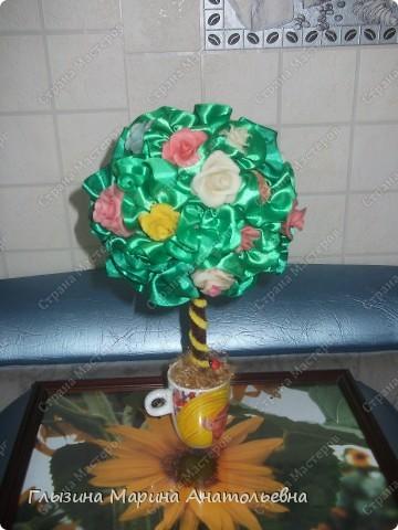 """Как победила """"ХФ"""", налепила розочек.  Сразу решила  сделать цветочное деревце.  Вот представляю вам его. фото 2"""