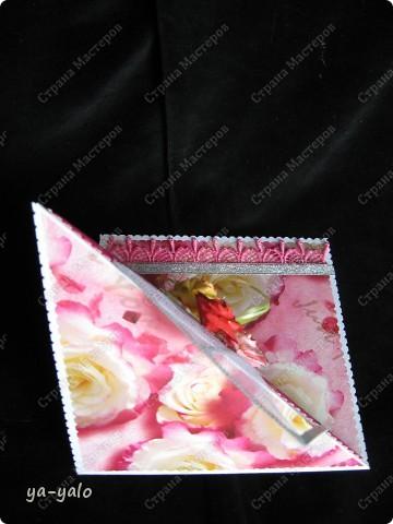 Хочу представить Вашему вниманию КОКТЕЙЛЬ из РОЗ. Смешение техник и применения бумажной розовой продукции. Дачный сезон подходит к концу, и я хочу показать, какие я вырастила РОЗЫ. Спешу!!!! Потому что Люда, недавно приехавшая с дачи, придавит))))))) меня своими цветочными шедеврами. ЖИВЫМИ!!! А я вам хочу показать бумажные. Надеюсь, они вас тоже не разочаруют фото 7