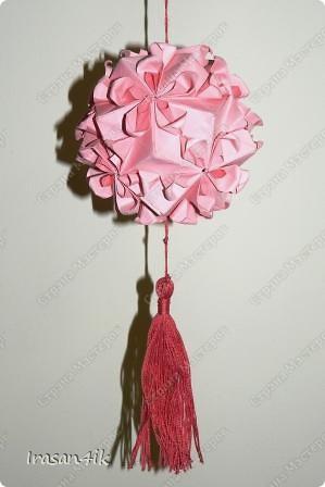 Руки все складываю и складываю! Остановиться невозможно!  Моя первая кусудама по схеме от Tanya Vysochina, Модель: Kiss of Sakura. Впервые увидела ее http://stranamasterov.ru/node/212506 Видео: http://www.youtube.com/watch?v=HH-qzrGFZYc фото 3