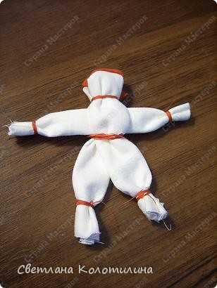 Мужских кукол в народном творчестве мало. Мужских - в том смысле, что изображался мужчина. Такие куклы назывались куклаками. фото 1