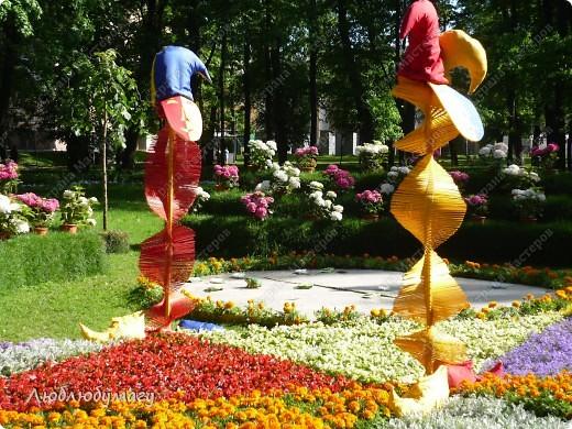 В Санкт- Петербурге в Михайловском саду ежегодно проводится фестиваль ландшафтного искусства. Хочу вам, дорогие мастерицы, показать, что мы там увидели в этом году. фото 6