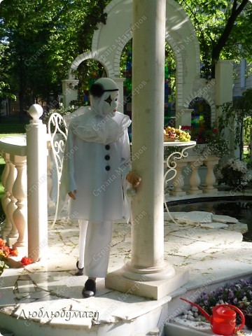 В Санкт- Петербурге в Михайловском саду ежегодно проводится фестиваль ландшафтного искусства. Хочу вам, дорогие мастерицы, показать, что мы там увидели в этом году. фото 2