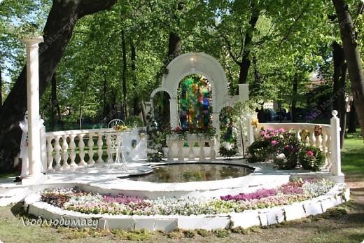 В Санкт- Петербурге в Михайловском саду ежегодно проводится фестиваль ландшафтного искусства. Хочу вам, дорогие мастерицы, показать, что мы там увидели в этом году. фото 1