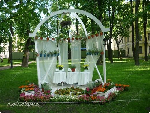 В Санкт- Петербурге в Михайловском саду ежегодно проводится фестиваль ландшафтного искусства. Хочу вам, дорогие мастерицы, показать, что мы там увидели в этом году. фото 28