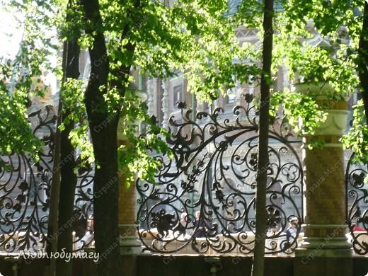 В Санкт- Петербурге в Михайловском саду ежегодно проводится фестиваль ландшафтного искусства. Хочу вам, дорогие мастерицы, показать, что мы там увидели в этом году. фото 37