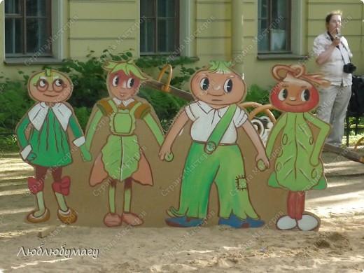 В Санкт- Петербурге в Михайловском саду ежегодно проводится фестиваль ландшафтного искусства. Хочу вам, дорогие мастерицы, показать, что мы там увидели в этом году. фото 35