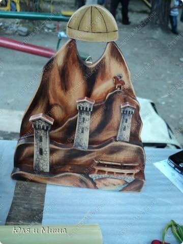 Продолжаем ходить по выставке-продаже на фестивале г. Тианетоба, 65 км. от Тбилиси. На этот раз ближе посмотрим грузинские сувениры, а также - поделки местных мастеров. фото 3