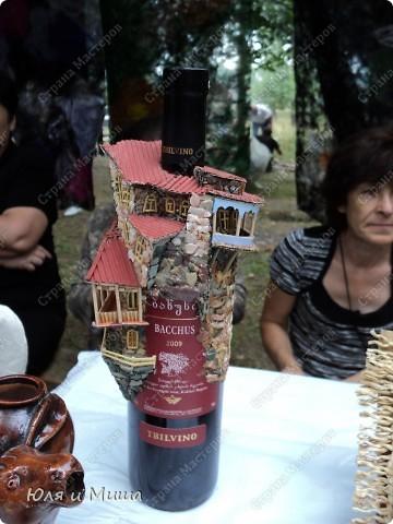 Продолжаем ходить по выставке-продаже на фестивале г. Тианетоба, 65 км. от Тбилиси. На этот раз ближе посмотрим грузинские сувениры, а также - поделки местных мастеров. фото 4