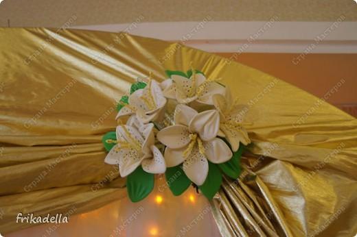 На дворе вовсю пляшут свадьбы, потому не удержалась и решила поставить таки фотографии наших свадебных и не только работ по декору праздников: фото 3