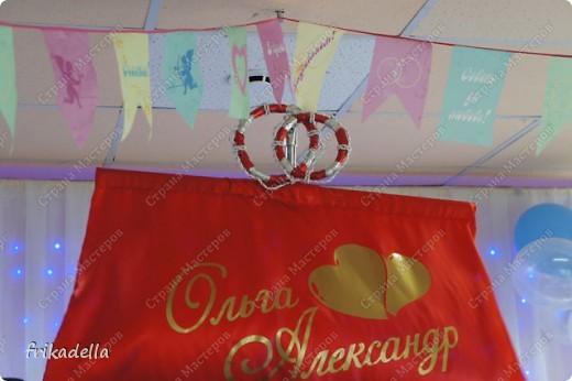 На дворе вовсю пляшут свадьбы, потому не удержалась и решила поставить таки фотографии наших свадебных и не только работ по декору праздников: фото 10