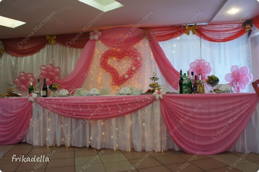 На дворе вовсю пляшут свадьбы, потому не удержалась и решила поставить таки фотографии наших свадебных и не только работ по декору праздников: фото 9