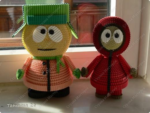 Знакомьтись Кайл и Кенни герои мультика Южный парк. Сделаны из гофрированных полосок. фото 12