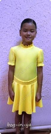 Для тех, кто хотел увидеть платья http://stranamasterov.ru/node/231748, http://stranamasterov.ru/node/232131 на моделях.  Вот так платье сидит на девочке. фото 1