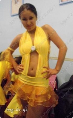 Для тех, кто хотел увидеть платья http://stranamasterov.ru/node/231748, http://stranamasterov.ru/node/232131 на моделях.  Вот так платье сидит на девочке. фото 7