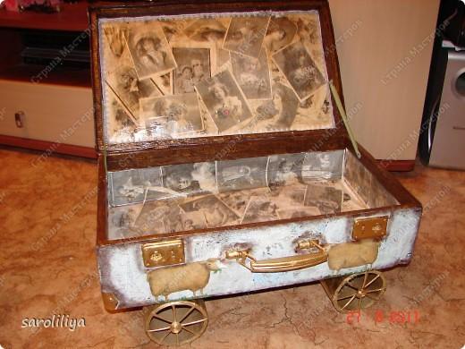 Вот такой чемодан у меня получился, а как я его оформила описываю ниже: фото 12