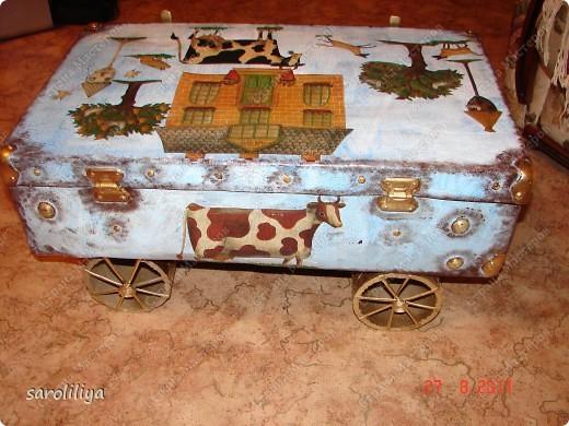 Вот такой чемодан у меня получился, а как я его оформила описываю ниже: фото 17
