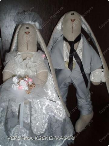Ну, вот и снова зайки. Эти зайки были сшиты на заказ к 1й годовщине свадьбы. фото 1
