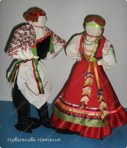 Этих кукол я выполняла вместе дочерью Анастасией. Мы попытались в этой работе воплотить народный костюм новооскольского района. фото 1