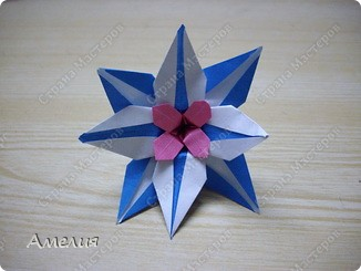 "Еще одни цветочки из книги  Livro de Origami Основа кусудама ""Электра"" автор Девид Митчел http://diagramascia.blogspot.com/search/label/Electra http://www.youtube.com/watch?v=_C0TMbyP_No http://kusuda.ru/kusudamas/kusudama-elektra/ фото 25"