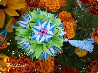 "Еще одни цветочки из книги  Livro de Origami Основа кусудама ""Электра"" автор Девид Митчел http://diagramascia.blogspot.com/search/label/Electra http://www.youtube.com/watch?v=_C0TMbyP_No http://kusuda.ru/kusudamas/kusudama-elektra/ фото 29"