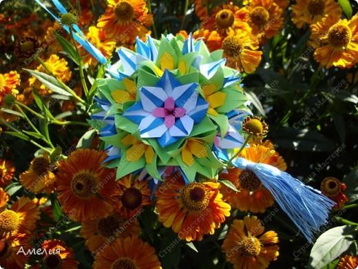 "Еще одни цветочки из книги  Livro de Origami Основа кусудама ""Электра"" автор Девид Митчел http://diagramascia.blogspot.com/search/label/Electra http://www.youtube.com/watch?v=_C0TMbyP_No http://kusuda.ru/kusudamas/kusudama-elektra/ фото 1"
