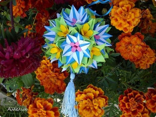 "Еще одни цветочки из книги  Livro de Origami Основа кусудама ""Электра"" автор Девид Митчел http://diagramascia.blogspot.com/search/label/Electra http://www.youtube.com/watch?v=_C0TMbyP_No http://kusuda.ru/kusudamas/kusudama-elektra/ фото 32"