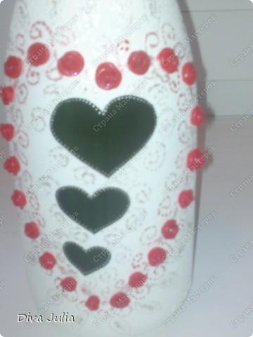 Бутылочка на свадьбу. Фото на мобильный, не видно красивый и блестящих узоров контуром и блесками. фото 2