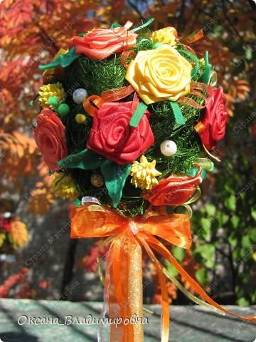 Всем ))) желаю тёплой и красочной осени! Вот какое деревце у меня сотворилось, светится всеми красками осени ))) мне кажется очень тяжело увидеть на фото мое дерево ))) фото 3