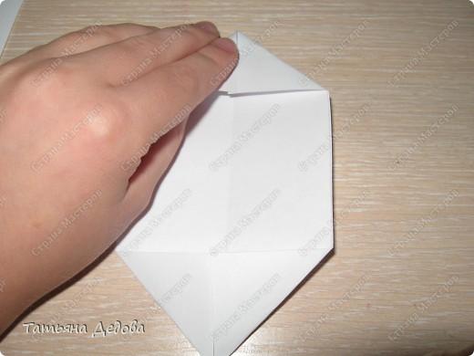 Вот такие лотосы, можно сделать своими руками за пять минут, и украсить ими квартиру на праздник.  фото 7