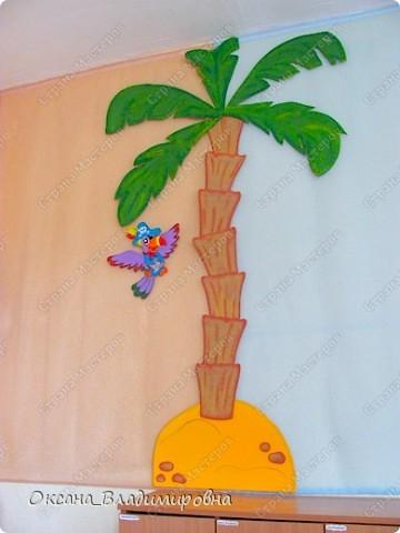 Оформляем приемную в детском саду.  Стена для детских рисунков.  фото 5