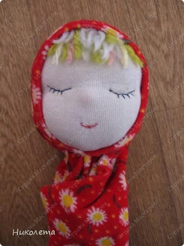 """Дорогие мастерицы, увидела на """"Ярмарке Мастеров"""" вот такую куколку и не смогла пройти мимо. Куклами никогда не увлекалась, но простота ее исполнения меня подкупила. Сшила ее за один вечер. МК по ее изготовлению  ⪡ Ссылка удалена п. 2.4 http://stranamasterov.ru/print/regulations ⪢ Может кому-то будет интересно. фото 8"""