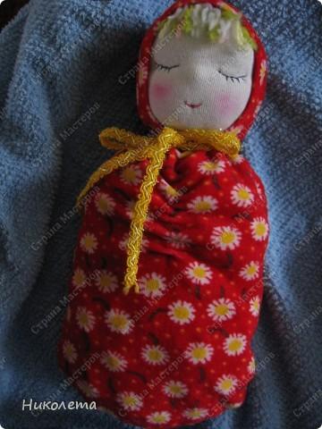 """Дорогие мастерицы, увидела на """"Ярмарке Мастеров"""" вот такую куколку и не смогла пройти мимо. Куклами никогда не увлекалась, но простота ее исполнения меня подкупила. Сшила ее за один вечер. МК по ее изготовлению  ⪡ Ссылка удалена п. 2.4 http://stranamasterov.ru/print/regulations ⪢ Может кому-то будет интересно. фото 1"""