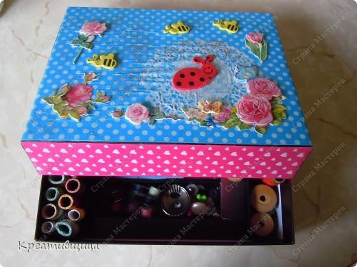 Вот такую коробочку для ниточек и иголочек я сегодня сделала))) А как давно собиралась))))... фото 1