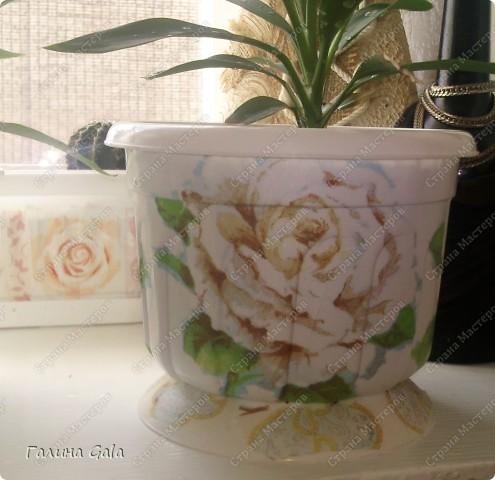 Хочу похвалится тем, что у меня есть на подоконнике.  Это можно сказать валентинка, мне муж ее сделал и подарил. Висит она конечно не на подоконнике, но всетаки это цветы, хоть и из металла. фото 6