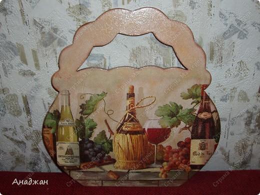"""Панно """"Корзина изобилия"""" Основа дерево, салфетка, подрисовка акриловыми красками, пастель. 2-х шаговый кракелюр, затирка золото. фото 1"""