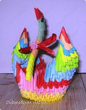 Моя лебедушка.Сделана по МК Татьяны Николаевны Просняковой http://stranamasterov.ru/technic/swan Делала модульное оригами в первый раз, прошу, не судите строго. фото 1
