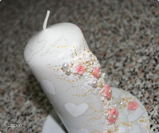 Сестра попросила сделать что-нибудь для подарка на свадьбу подруги. Так как свечи у меня уже опробованы и должны получиться, решила сделать еще одну. Спасибо Олесе Ф за вдохновение. Учусь по ее работам. И вот что у меня получилось: фото 3