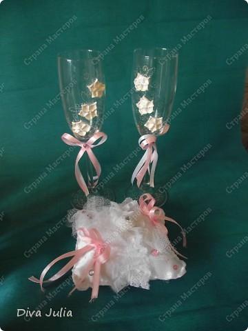 Второй свадебный набор (бутылки, бокалы, подушечка, свечи, альбом, рамка) фото 3