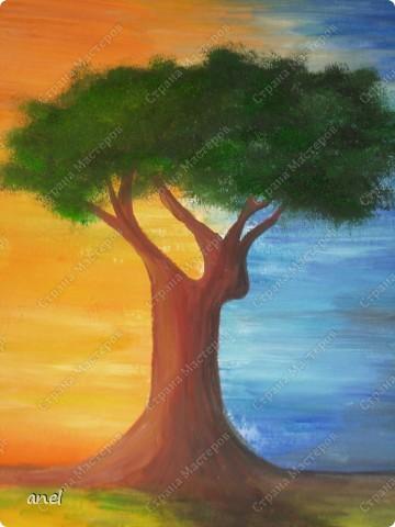 Рисовальщик из меня конечно ещё тот,но уж очень понравилось дерево http://stranamasterov.ru/node/249257?c=favorite  вот и нарисовала для себя что то похожее.Не рисовала со школы,а недавно надо было в школу плакат,так вот это второй рисунок , лет 20 кисточку в руки не брала. фото 4