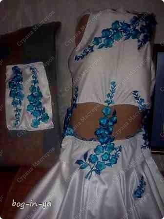"""Вот несколько платьев для танцев  латиноамериканской программы. Это платье немного украшено канзаши, по юбке бахрома( """"лапша"""" - так ее танцоры называют) фото 5"""