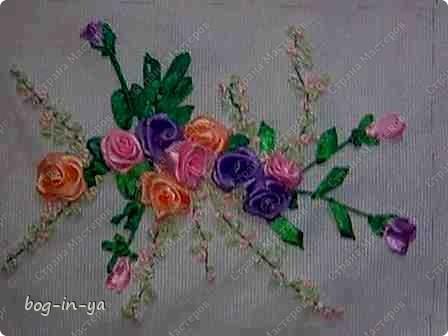 Вот такие розочки мне очень понравилось вышивать. Подарила это панно знакомой на день рождения. фото 4