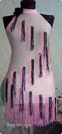 """Вот несколько платьев для танцев  латиноамериканской программы. Это платье немного украшено канзаши, по юбке бахрома( """"лапша"""" - так ее танцоры называют) фото 2"""