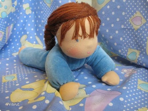 Вальдорфская кукла в пришивном комбинезоне фото 1
