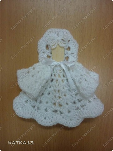 вязаный ангелочек на палочке от мороженого   взято здесь  http://blogs.mk.ru/users/3344739/post130308424/ фото 1