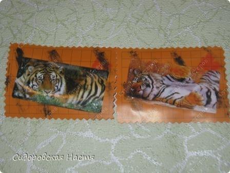 Основа для карточек сделана из талонов  первой помощи. Карточки почти ничем не украшены, сбоку штампик в виде бабочки. Первая выбирает Дарёнка, если понравится. фото 3