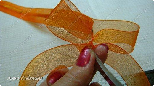 Красивые упаковочные бантики своими руками будут отличным дополнением к вашему подарку. И не нужно идти в магазин) фото 14