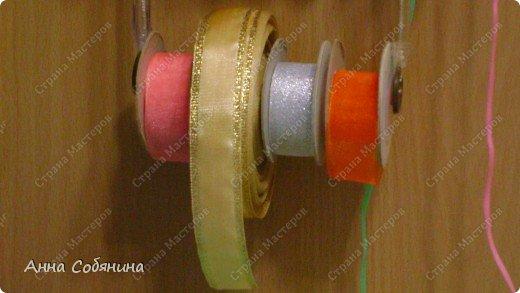 Красивые упаковочные бантики своими руками будут отличным дополнением к вашему подарку. И не нужно идти в магазин) фото 26