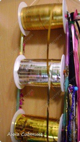 Красивые упаковочные бантики своими руками будут отличным дополнением к вашему подарку. И не нужно идти в магазин) фото 28