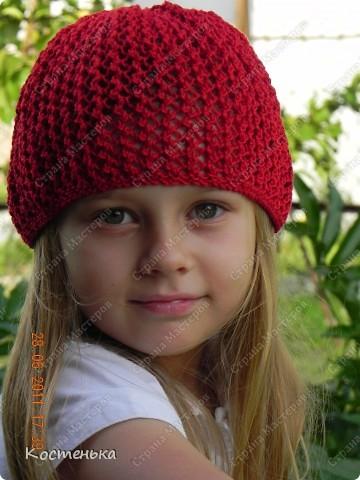 Листая фотографии  со своими работами, вспомнила, что не показывала еще одну шапочку для любимой доченьки. Шапочка называется Aura известного дизайнера одежды из Англии Kim Hargreaves  фото 2