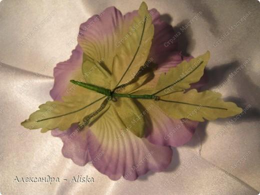 """Добрый день, дорогие мастерицы ! Хотела бы поделиться результатами моего нового увлечения. Представляю вашему вниманию цветы из шелка """"Маки"""". Два из них необычной окраски, но очень интересно выглядят и я думаю будут прекрасным дополнением к наряду. Этот прекрасный цветок был выполнен по МК замечательной мастрерицы своего дела Анны Ушаковой, за что ей огромное спасибо.   фото 6"""